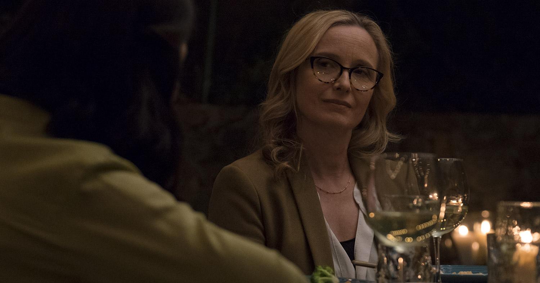 julie delpy dans The Bachelors (2017) de Kurt Voelker